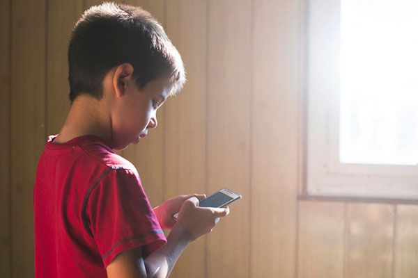 uso de dispositivos móviles en niños